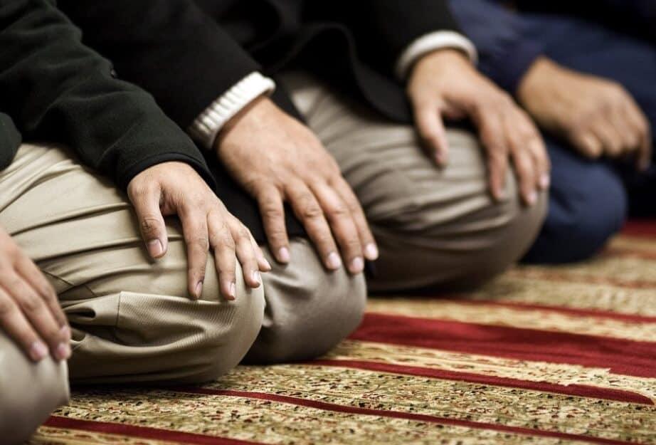 Bacaan Sholawat Nabi Arab dan Artinya