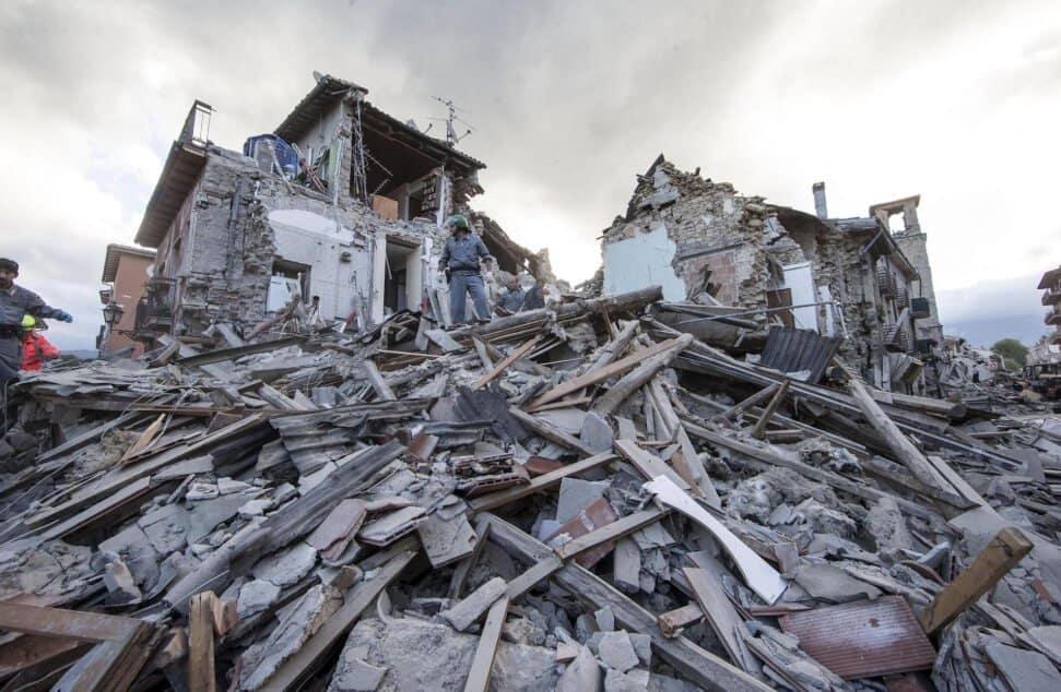 Terjadinya Tiga Gempa Bumi pada Akhir Zaman