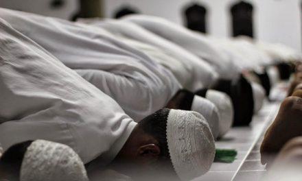 Sholat Hajat | Doa, Niat dan Tata Cara Sholat [Complete]