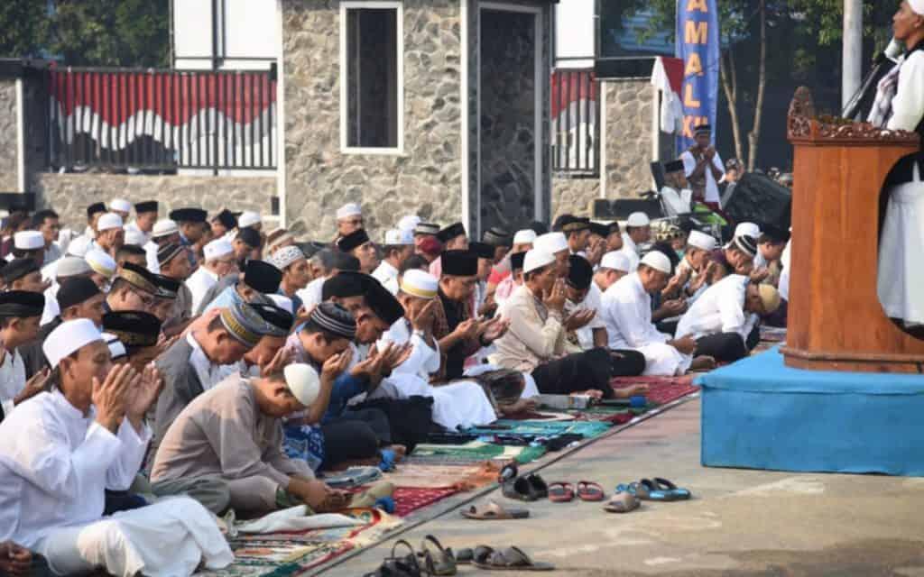 Hukum-Sholat-Idul-Fitri
